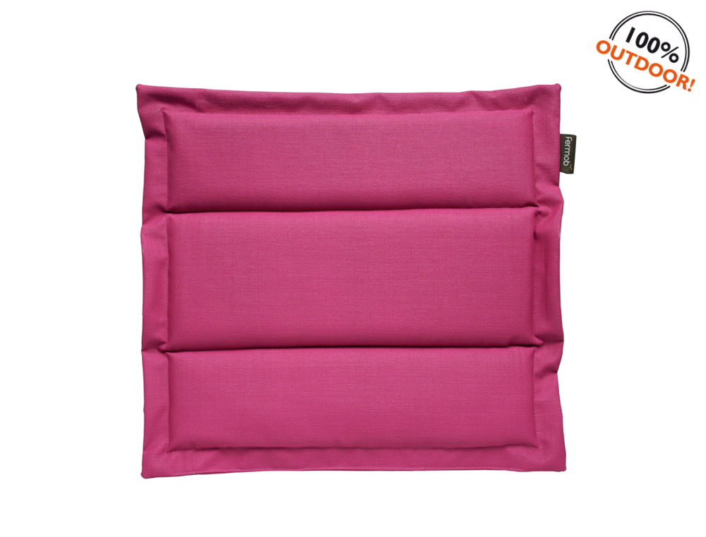 The Basics outdoor cushion for Luxembourg seats – Fuchsia